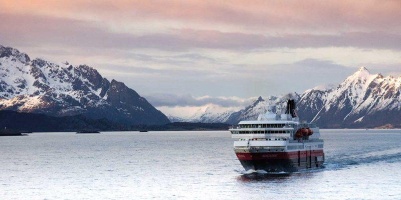 Hurtigruten-authentieke-zeereis-langs-de-Noorse-kust