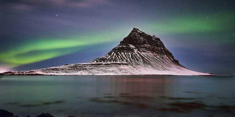 IJsland-in-de-winter-noorderlicht- kirkjufell