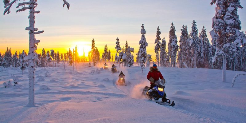 Meerdaagse sneeuwscootertocht avontuur in Lapland