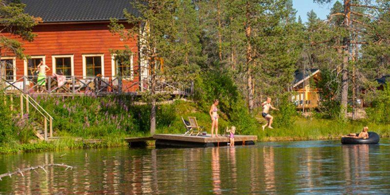 Pinetree-Lodge-Zweden-waterpret-in-de-zomer