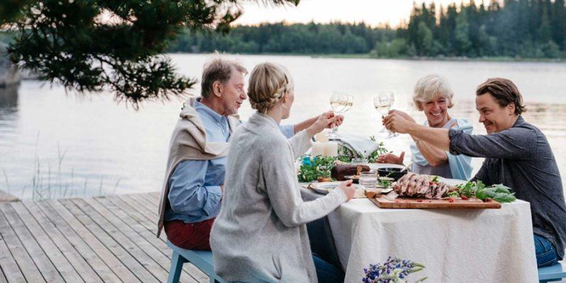 Scandinavie-eten-aan-het-meer