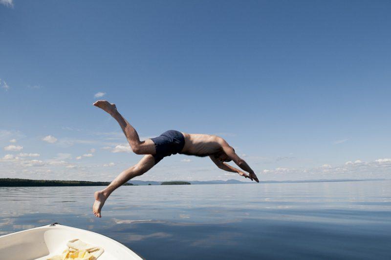 Zwemmen in een van de vele Zweedse meren - ©Johan Willner