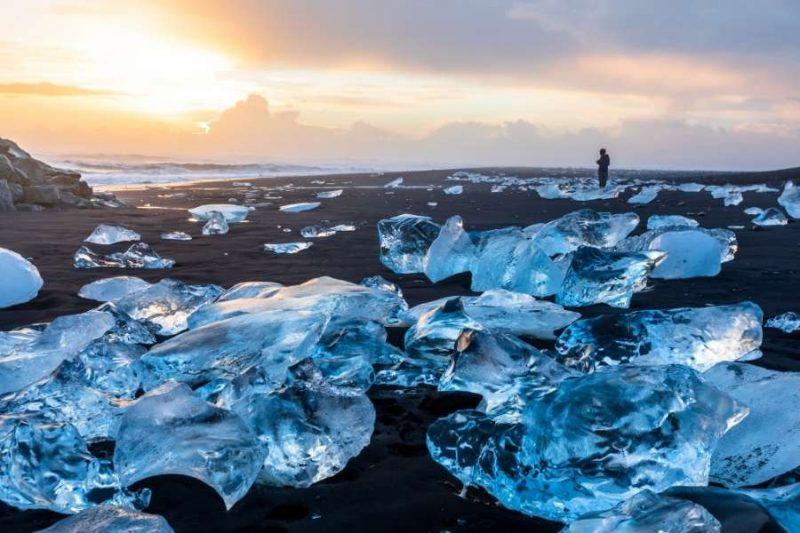 Diamanten strand in IJsland aan de Zuidkust met Nordic