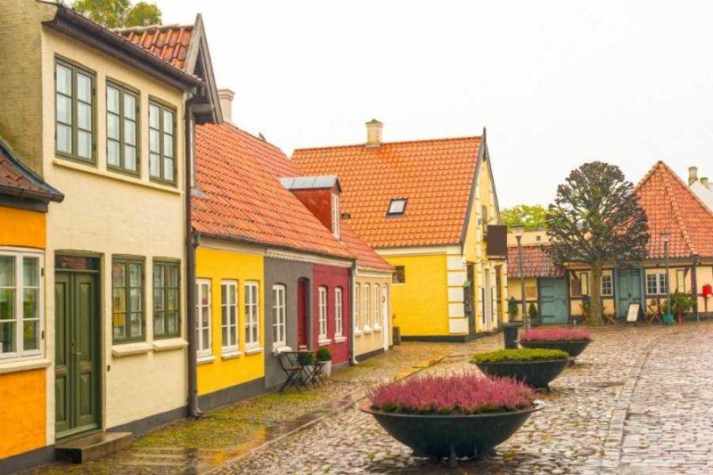 Gezellige straatjes in Odense in Denemarken met NOrdic