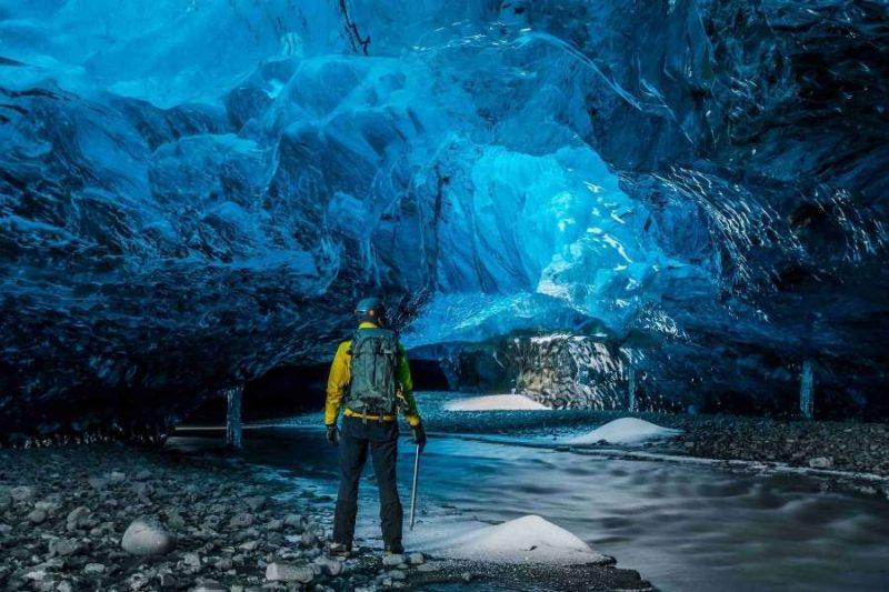 IJsgrotten in IJsland met Nordic