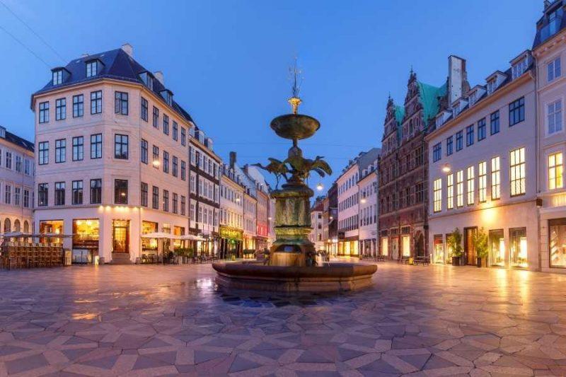 Stroget Street in Kopenhagen in Denemarken met Nordic
