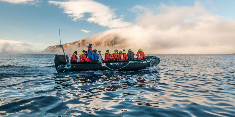Landing-op-Killiniq-Island-bij-Canada-op-exploratiereis-met-Nordic-©Karsten-Bidstrup-Hurtigruten-1