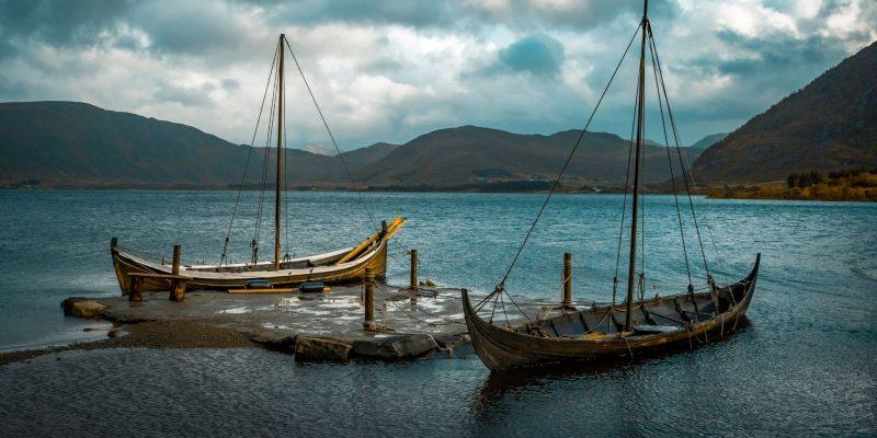 Replicas-van-Vikingschepen-op-de-Lofoten-ontdek-de-Noorse-vikinggeschiedenis-met-Nordic-1