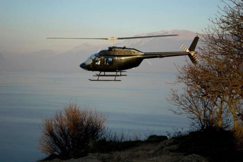 Helicopter-fly-and-hike-Lapland-reizen-met-Nordic-800x533